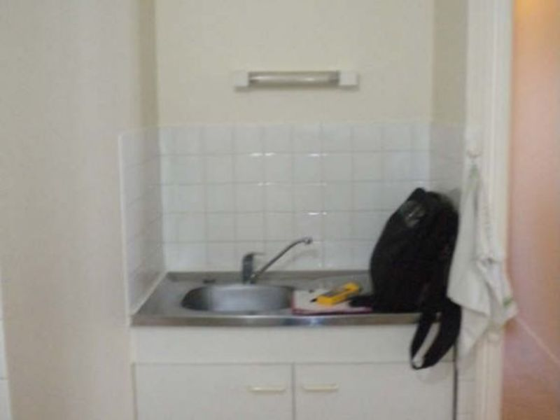 Rental apartment Vendome 306€ CC - Picture 5