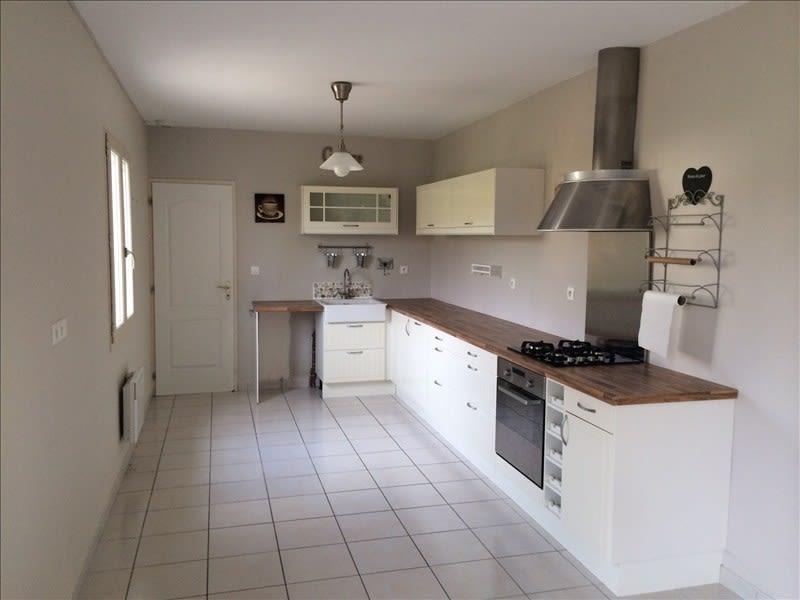 Rental house / villa Areines 762€ CC - Picture 3