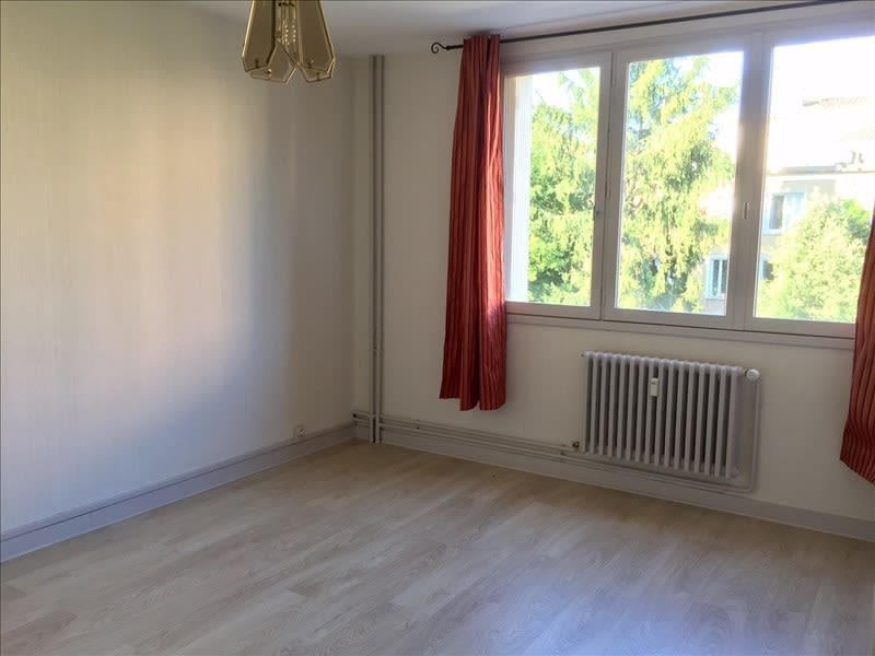 Location appartement Niort 385€ CC - Photo 1