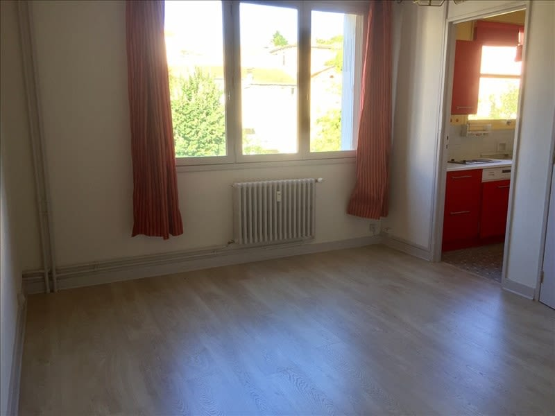 Location appartement Niort 385€ CC - Photo 2