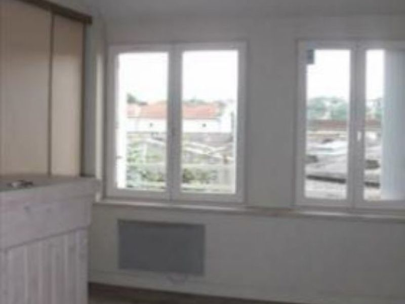 Location appartement Poitiers 306€ CC - Photo 2