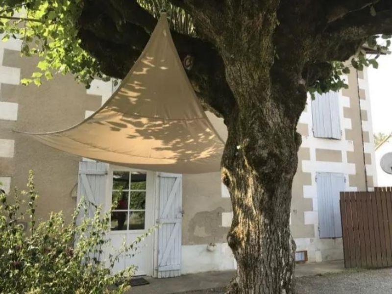 Location maison / villa Nouaille maupertuis 690€ CC - Photo 1