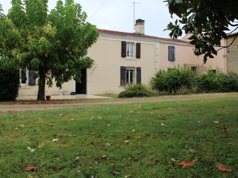 Vente maison / villa Vouille 231000€ - Photo 2