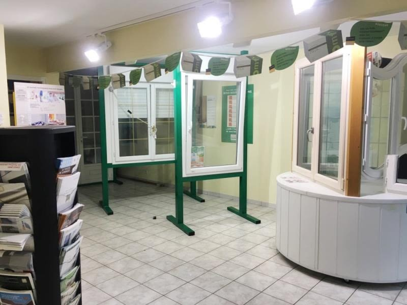 Location local commercial Fougeres 490€ HC - Photo 2