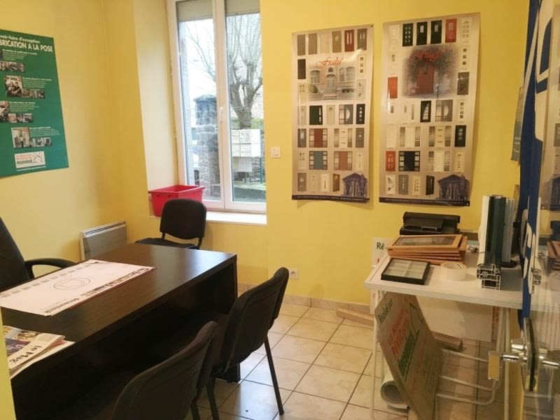 Location local commercial Fougeres 490€ HC - Photo 3