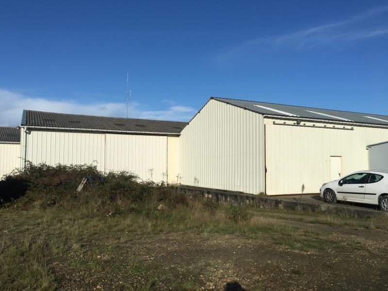Location local commercial St aubin du cormier 3000€ HC - Photo 8