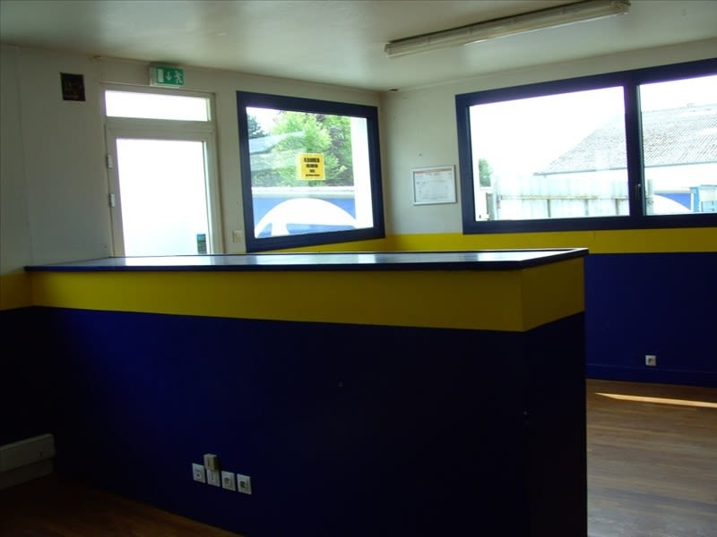 Rental office Fougeres 2 200€ HC - Picture 4