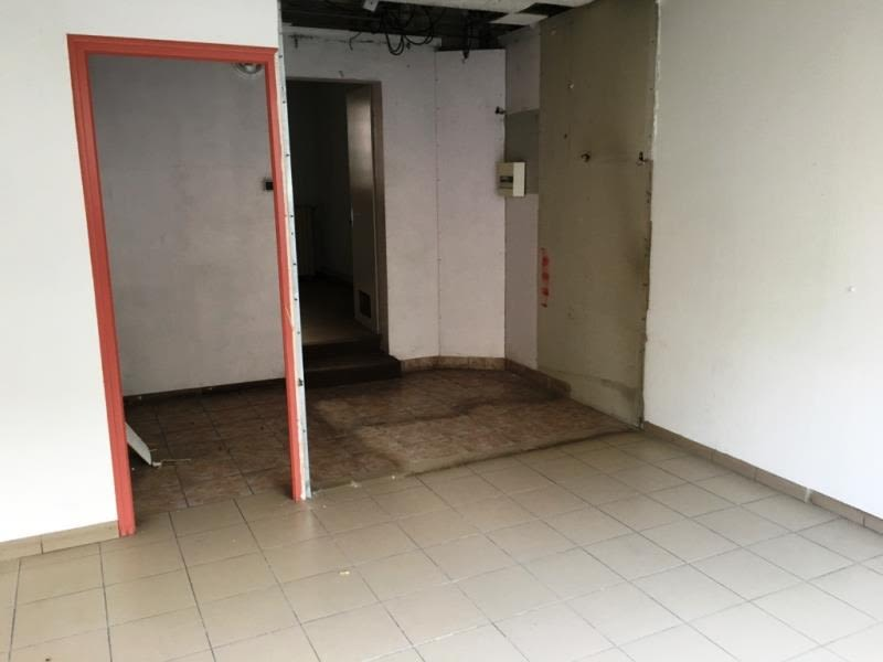 Location local commercial Fougeres 550€ HC - Photo 2