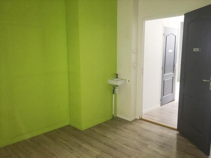 Rental empty room/storage Fougeres 650€ HC - Picture 3