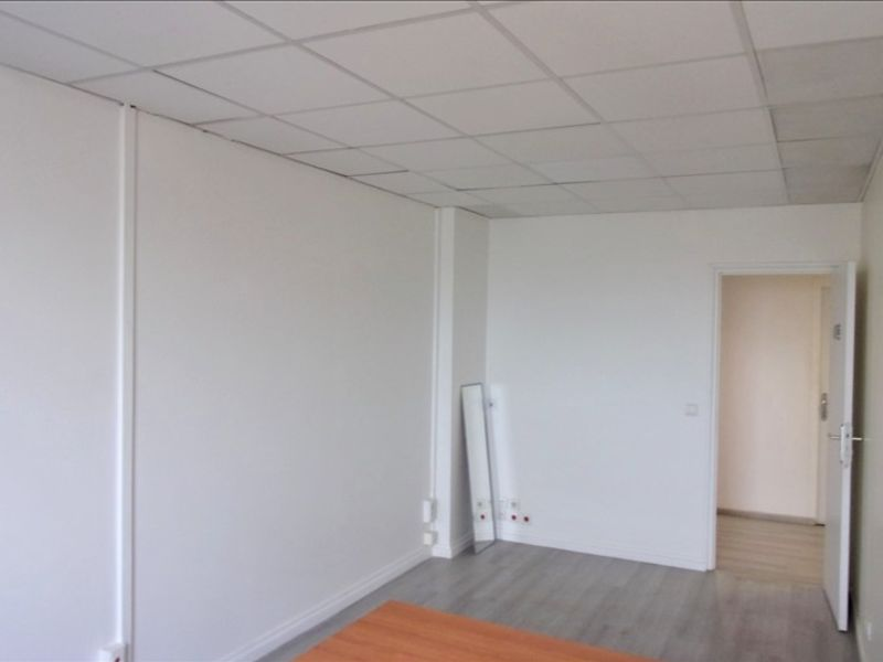 Location local commercial St ouen 306€ HC - Photo 3