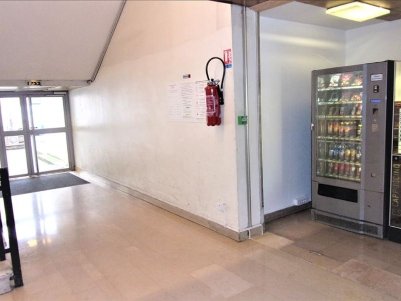 Location local commercial St ouen 306€ HC - Photo 5