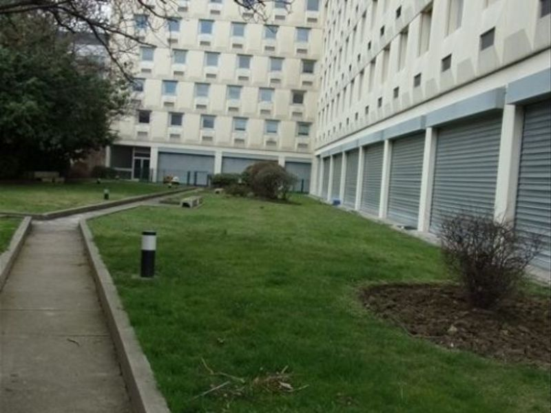 Location local commercial St ouen 306€ HC - Photo 6