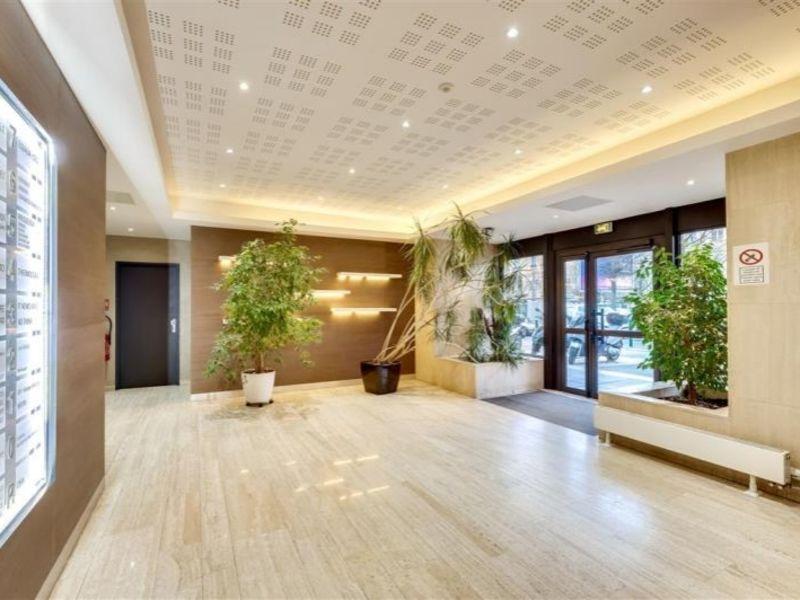 Rental office Suresnes 2694,17€ HC - Picture 1