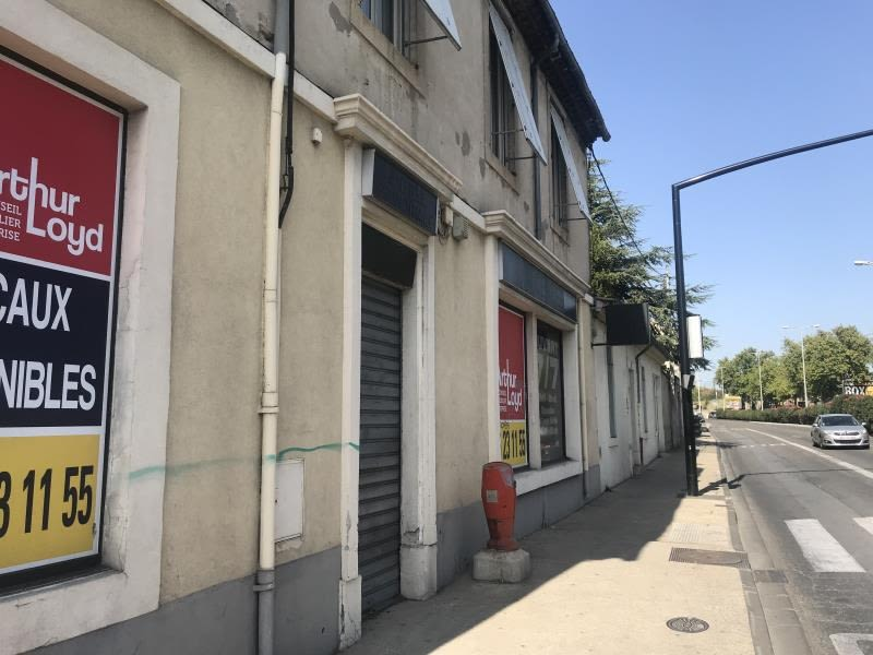 Rental office Nimes 1 700€ HC - Picture 1