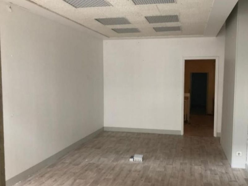 Location local commercial Le raincy 2 400€ HC - Photo 3