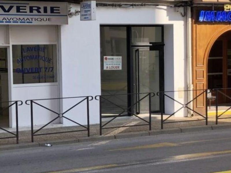 Location local commercial L ile rousse 980€ HC - Photo 2