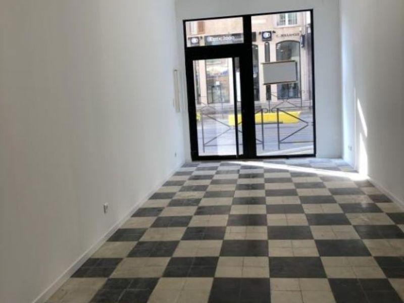 Location local commercial L ile rousse 980€ HC - Photo 3