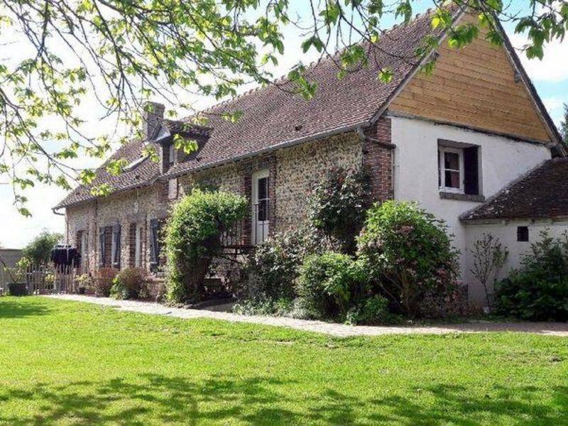 Sale house / villa Manthelon 219900€ - Picture 1