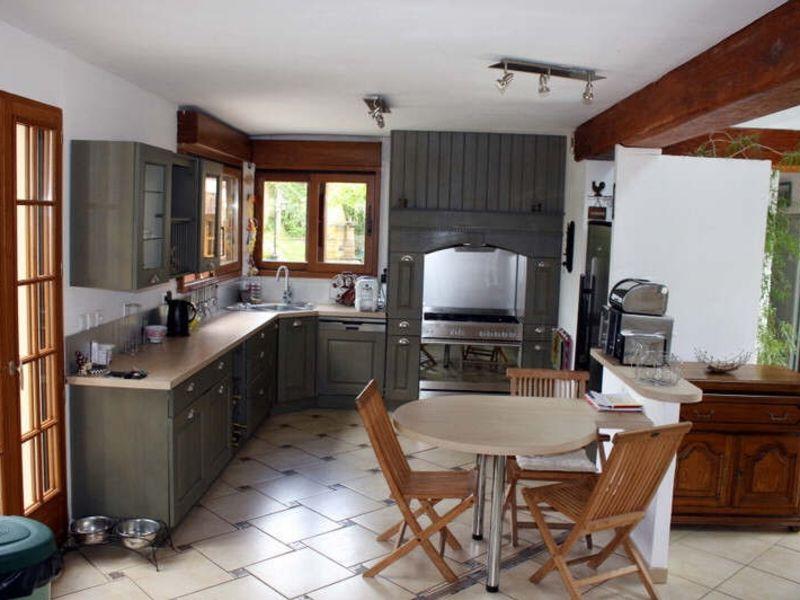 Sale house / villa Neaufles auvergny 675000€ - Picture 2