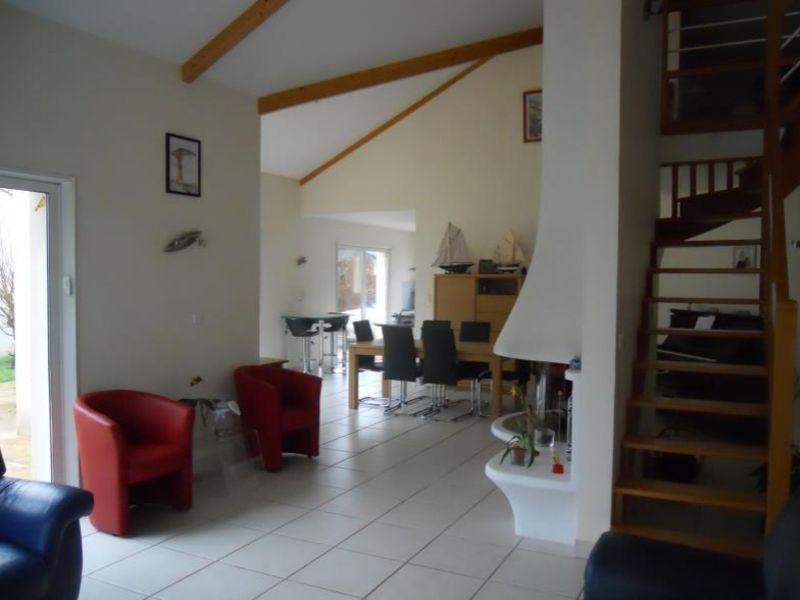 Sale house / villa Vue 383600€ - Picture 6