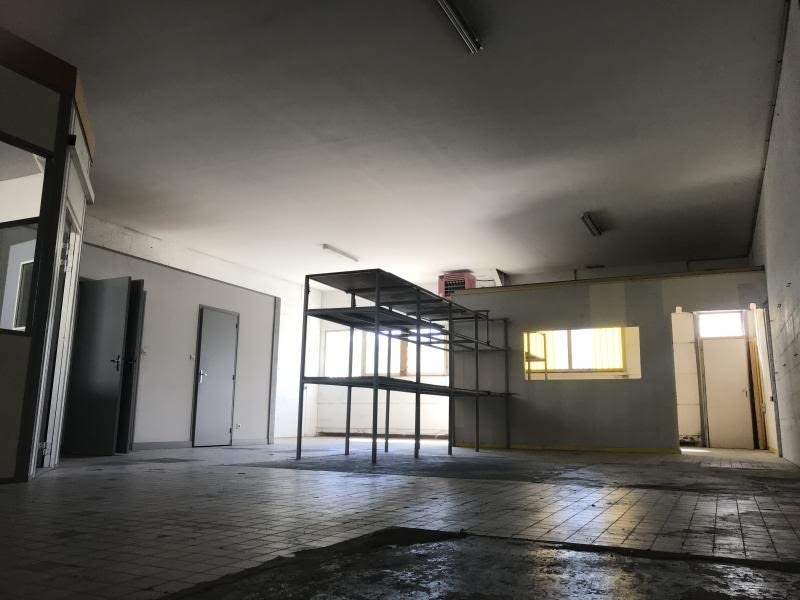 Location local commercial Poitiers 465€ HC - Photo 2