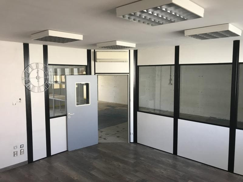 Location local commercial Poitiers 465€ HC - Photo 3