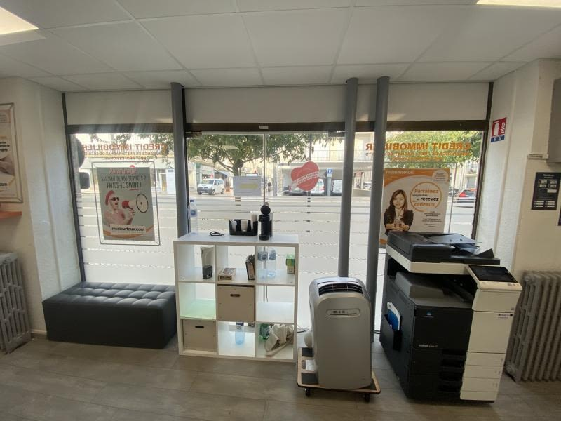 Location local commercial Poitiers 1408€ HC - Photo 2