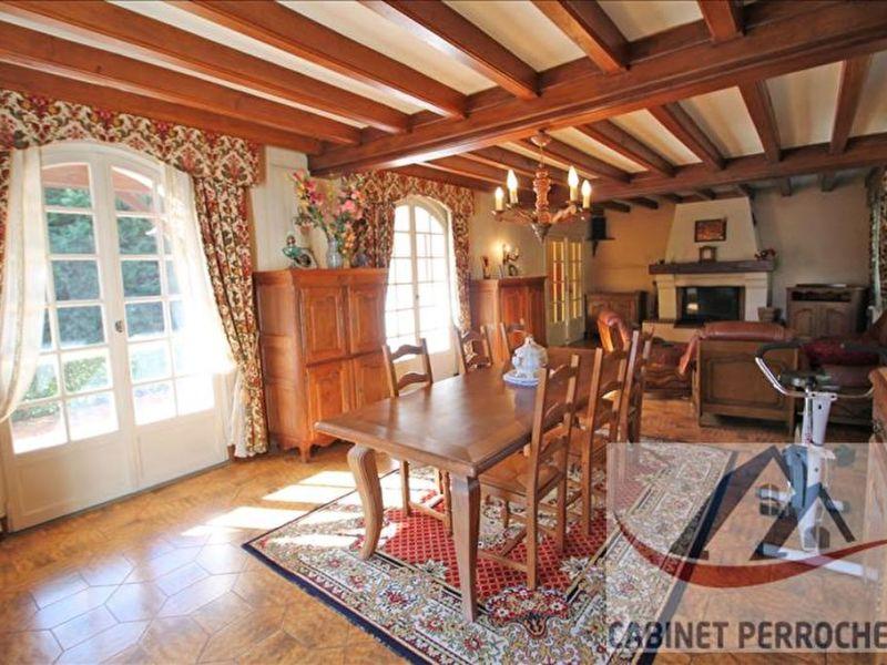 Vente maison / villa La chartre sur le loir 223000€ - Photo 2
