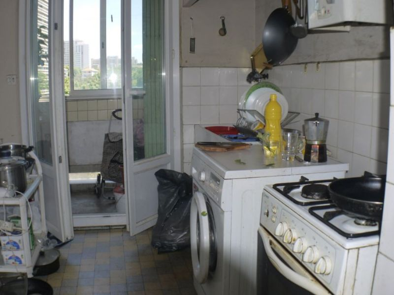 Sale apartment Marseille 48000€ - Picture 2