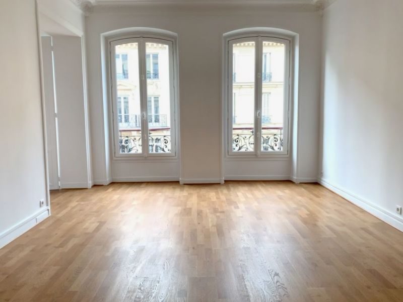 Location appartement Paris 2ème 380€ CC - Photo 2
