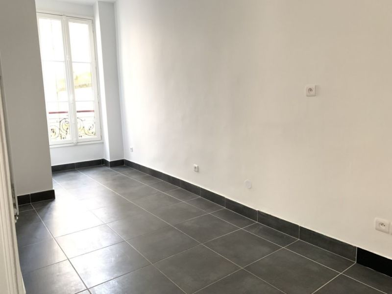 Location appartement Paris 2ème 380€ CC - Photo 3