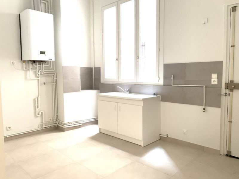Location appartement Paris 10ème 300€ CC - Photo 7
