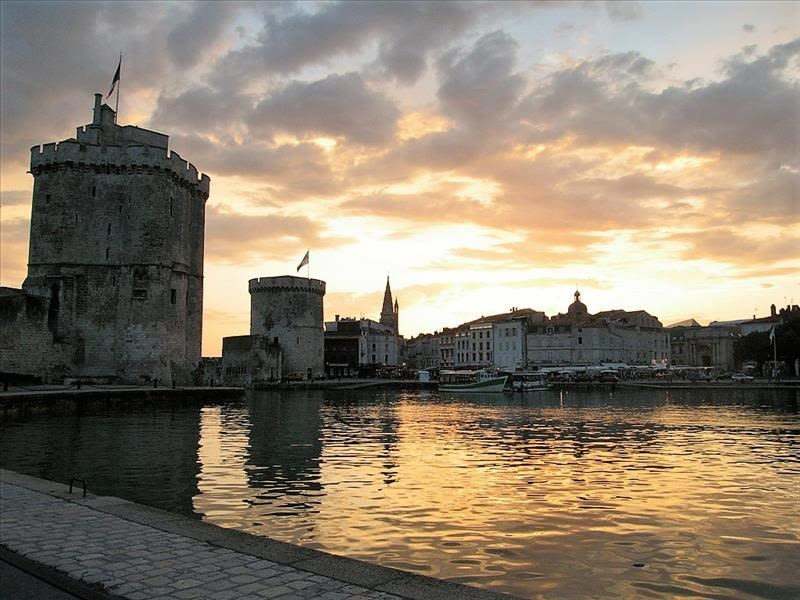 Sale apartment La rochelle 326 000€ - Picture 1