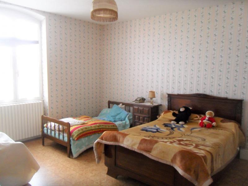 Vente maison / villa Noyant d allier 85600€ - Photo 3