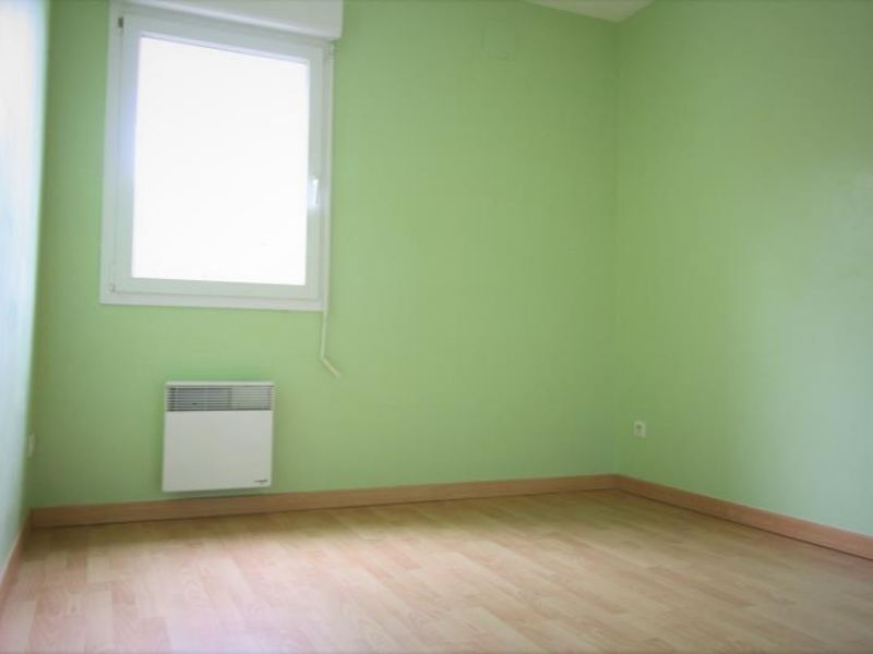 Rental apartment Ferrieres 665€ CC - Picture 4