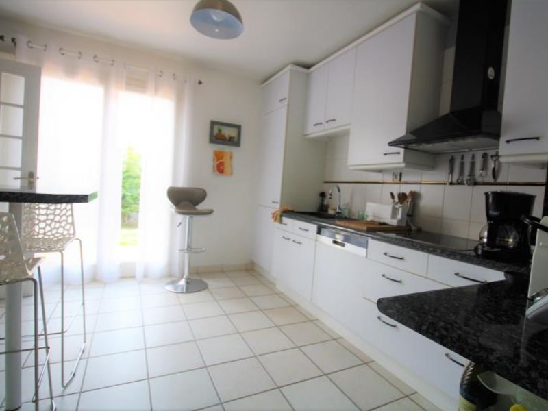 Sale house / villa Montdidier 242650€ - Picture 6
