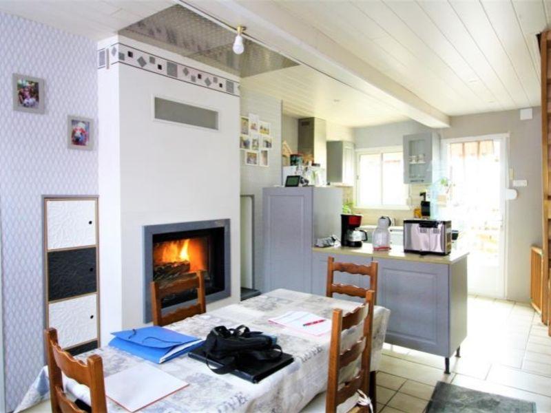 Sale house / villa Montdidier 141000€ - Picture 1