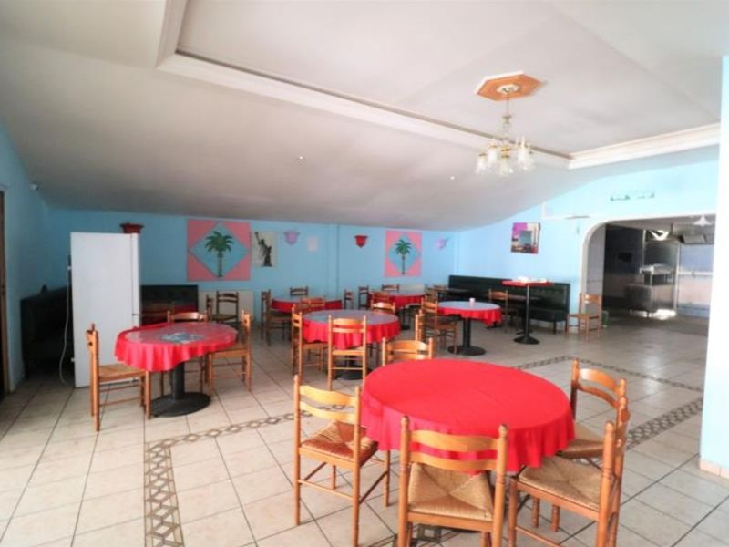 Location local commercial Montdidier 1 540€ HC - Photo 2