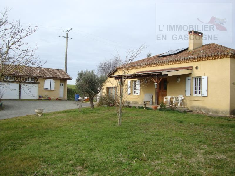 Sale house / villa Seissan 230000€ - Picture 1