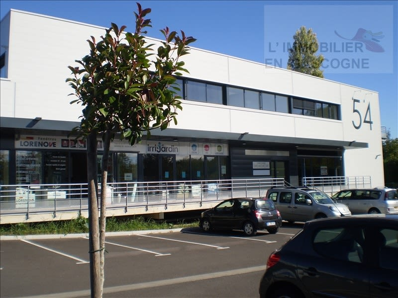 Location local commercial Auch 2390€ HC - Photo 2