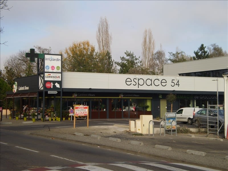 Location local commercial Auch 2640€ HC - Photo 2