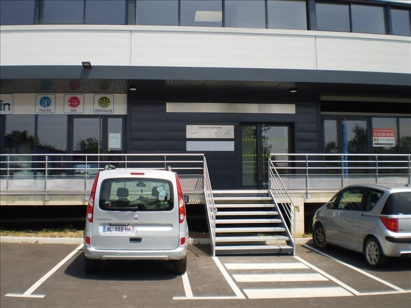 Location local commercial Auch 2640€ HC - Photo 7