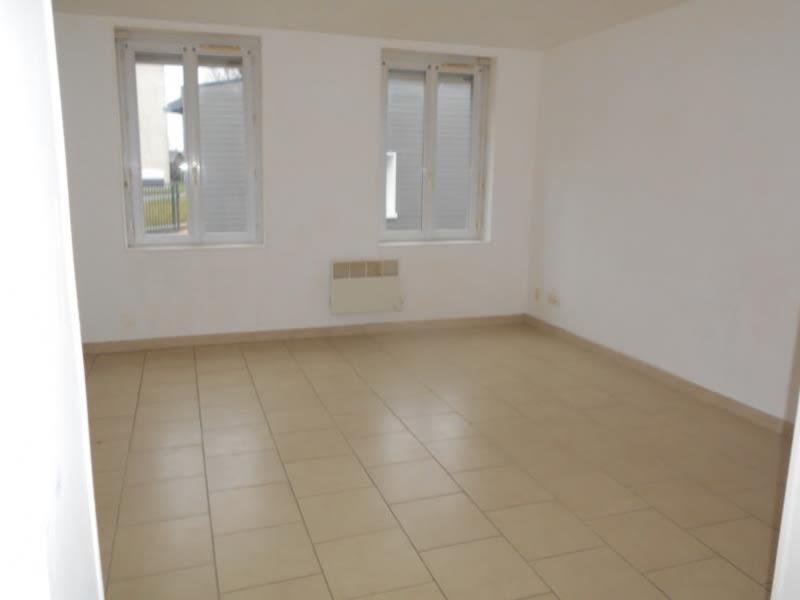 Location appartement Yebleron 480€ CC - Photo 3