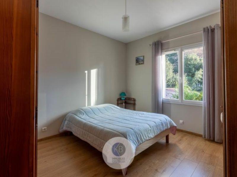 Sale house / villa Puyloubier 649000€ - Picture 4