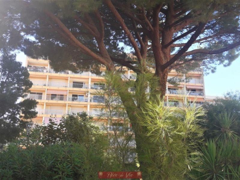 Sale apartment Le lavandou 285000€ - Picture 2
