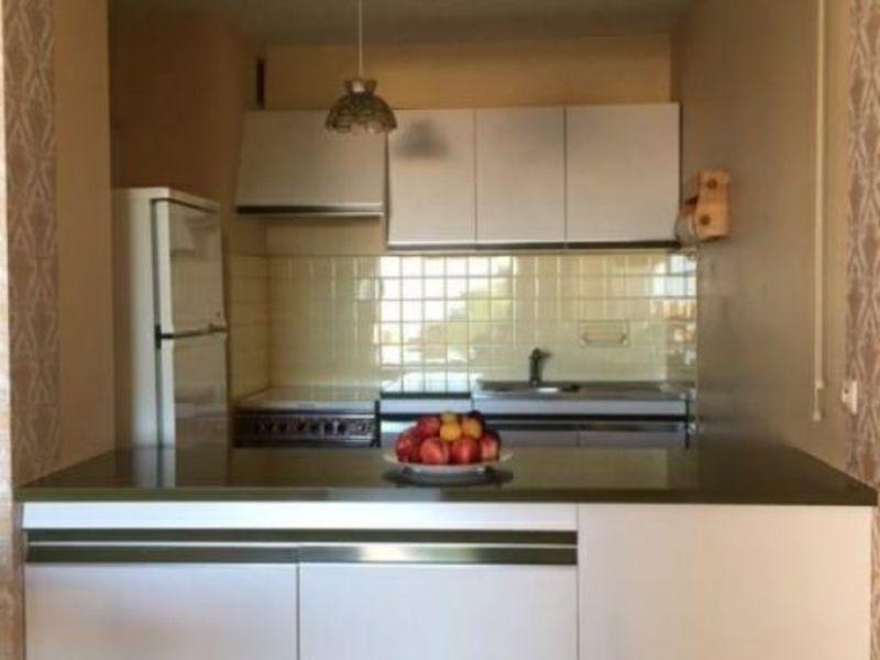 Sale apartment Le lavandou 285000€ - Picture 4