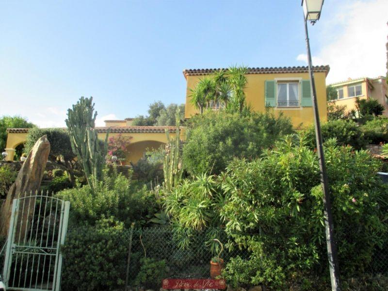 Sale house / villa Bormes les mimosas 895000€ - Picture 3
