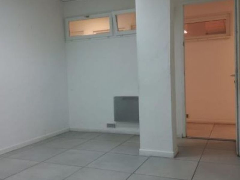 Location local commercial Le raincy 250€ HC - Photo 1