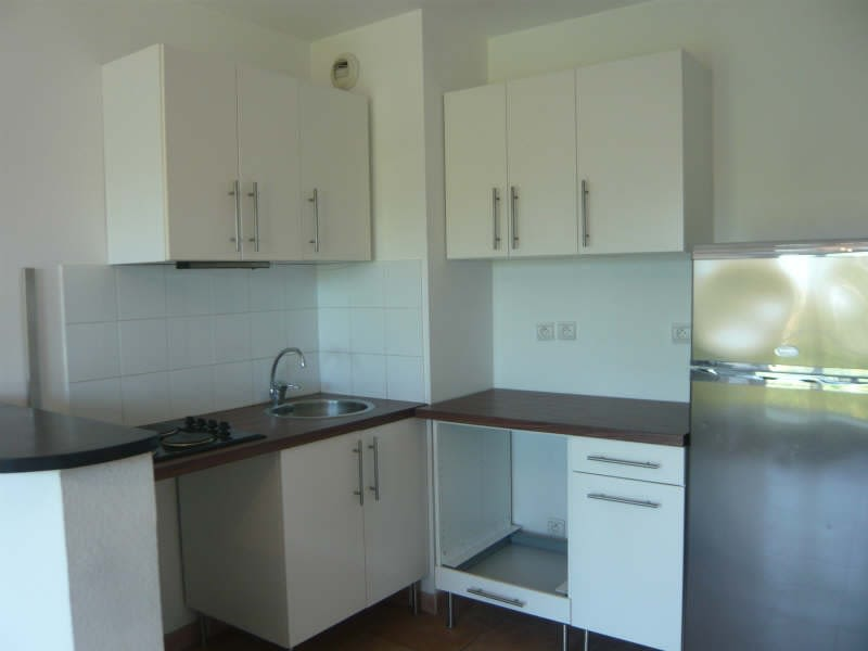 Rental apartment Aix en provence 861€ CC - Picture 2
