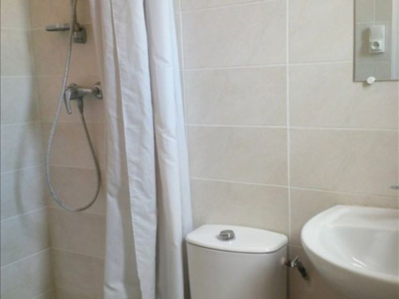 Rental house / villa Salon de provence 568€ CC - Picture 4